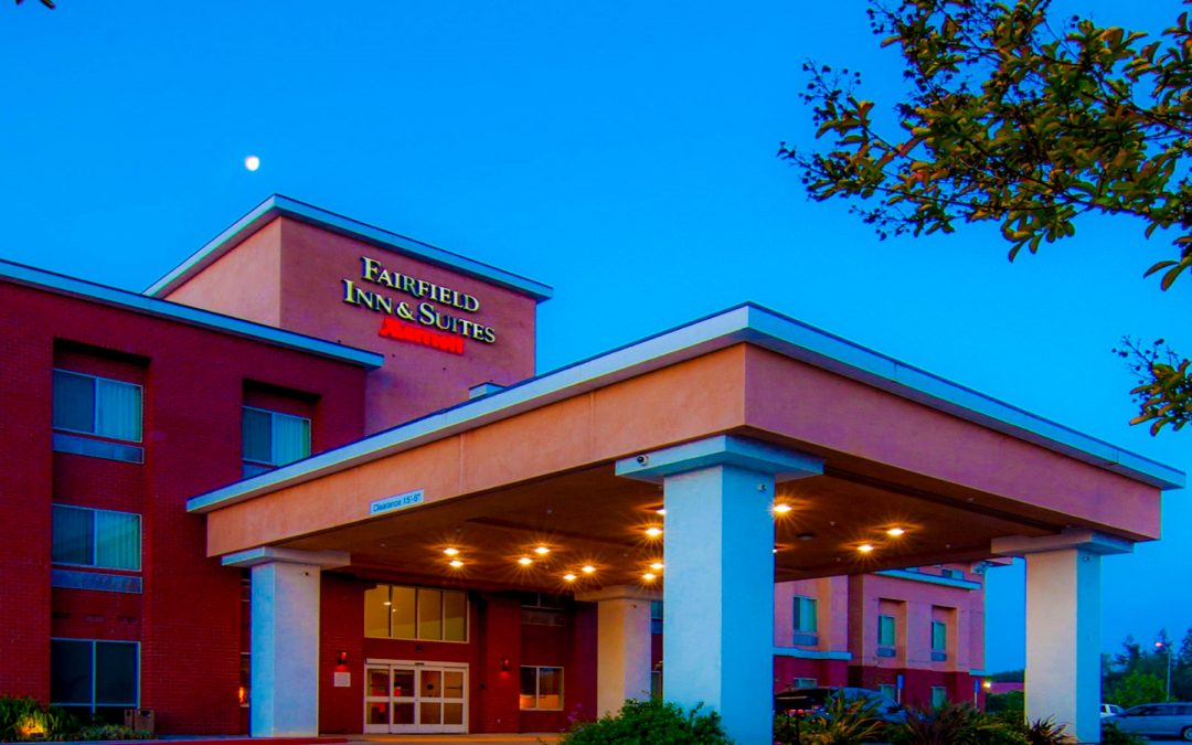 HWY Z Saint Robert, MO 2 miles to Fort Leonard Wood. Holiday Inn Express Hotel & Suites Saint Robert. The Holiday Inn Express and Suites in Saint Robert – Fort Leonard Wood, Missouri is one of the newest and most modern hotel in the area.